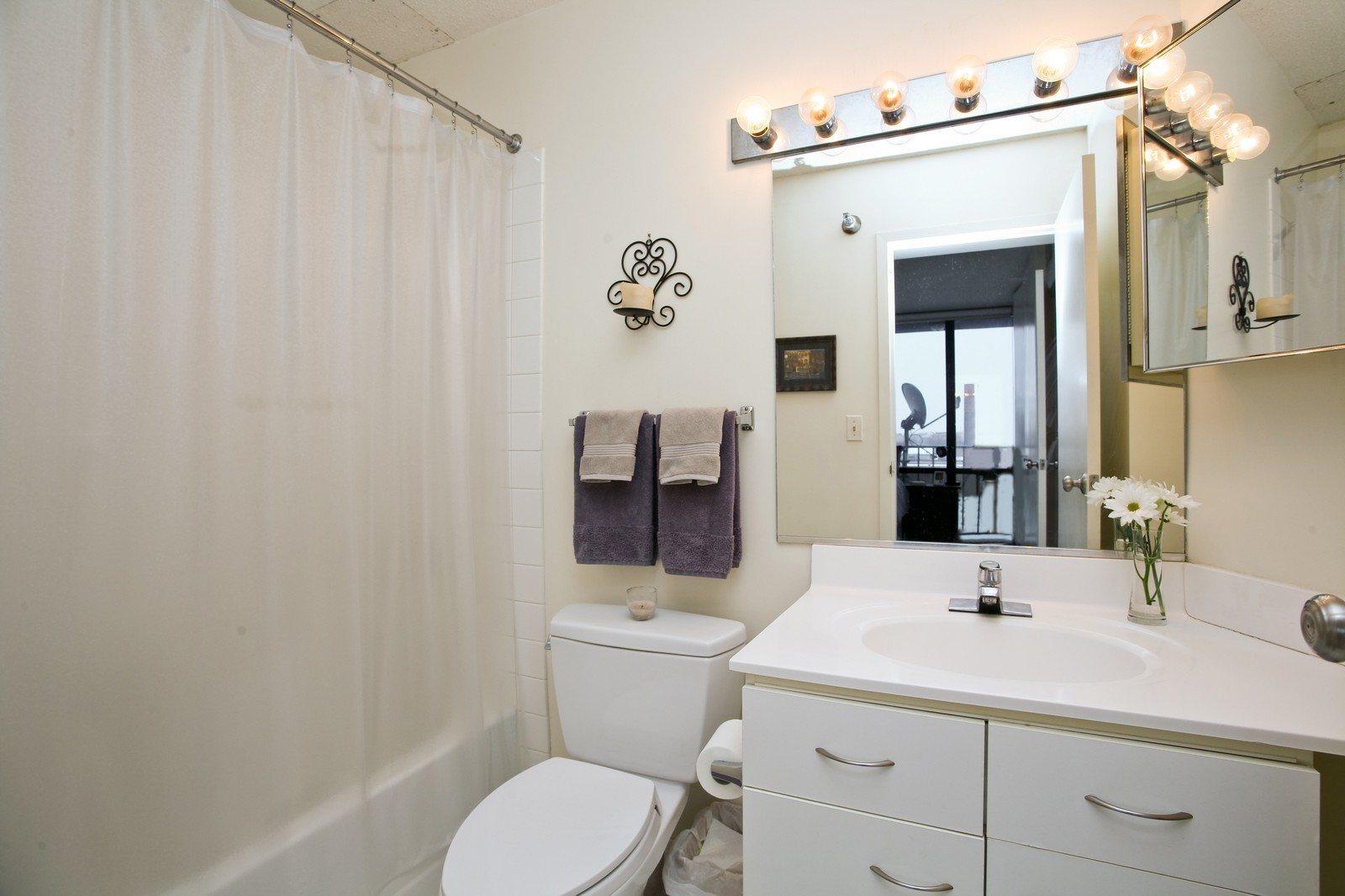 Real Estate Photography - 1309 N Wellls, Unit 501, Chicago, IL, 60654 - Master Bathroom
