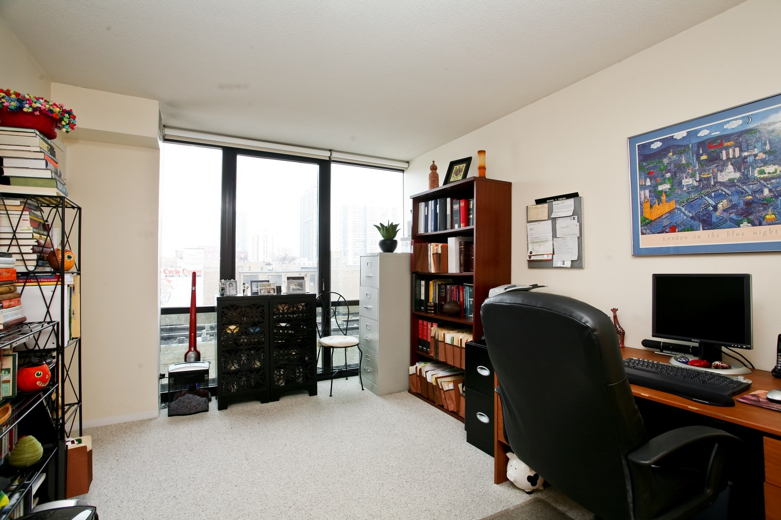 Real Estate Photography - 1309 N Wellls, Unit 501, Chicago, IL, 60654 - 2nd Bedroom