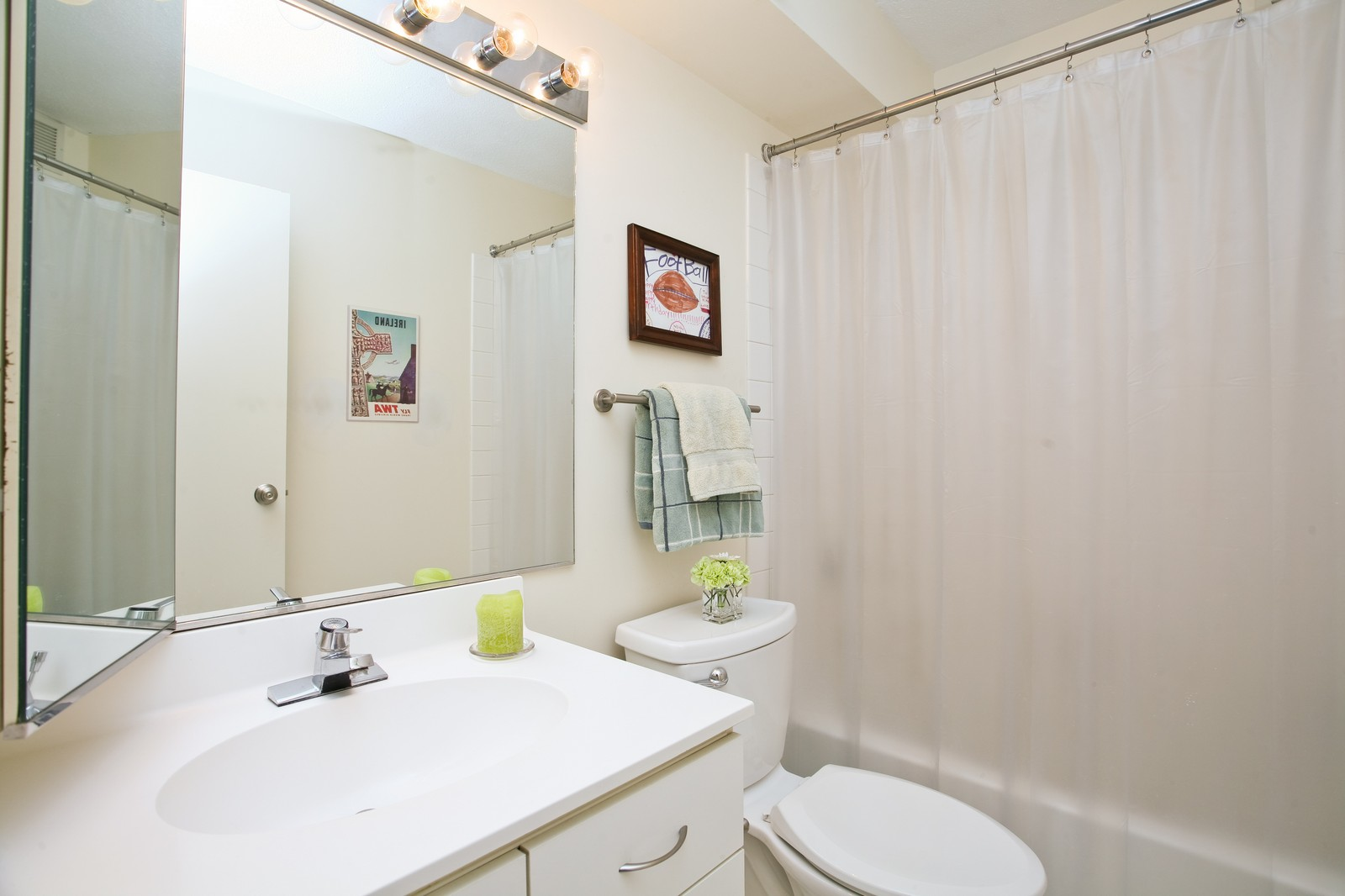 Real Estate Photography - 1309 N Wellls, Unit 501, Chicago, IL, 60654 - Bathroom