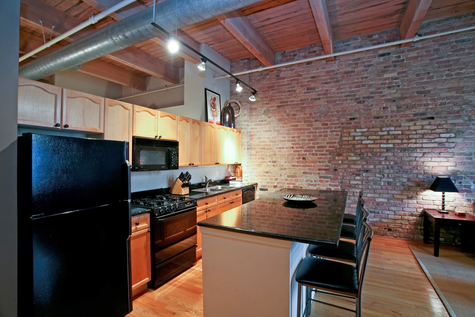 Real Estate Photography - 375 W Erie, Unit 305, Chicago, IL, 60654 - Kitchen
