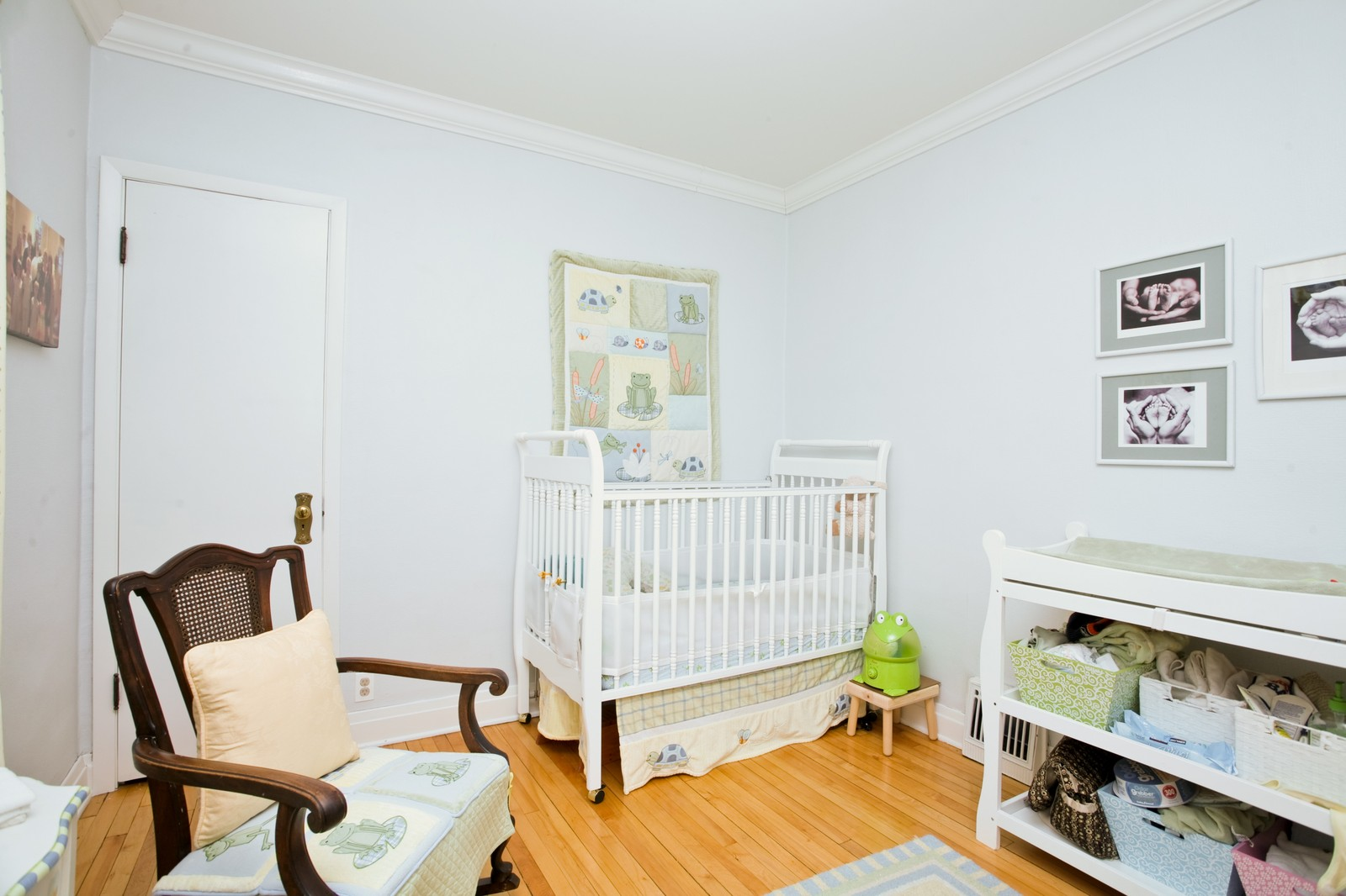 Real Estate Photography - 4549 N Springfield, Chicago, IL, 60625 - 3rd Bedroom