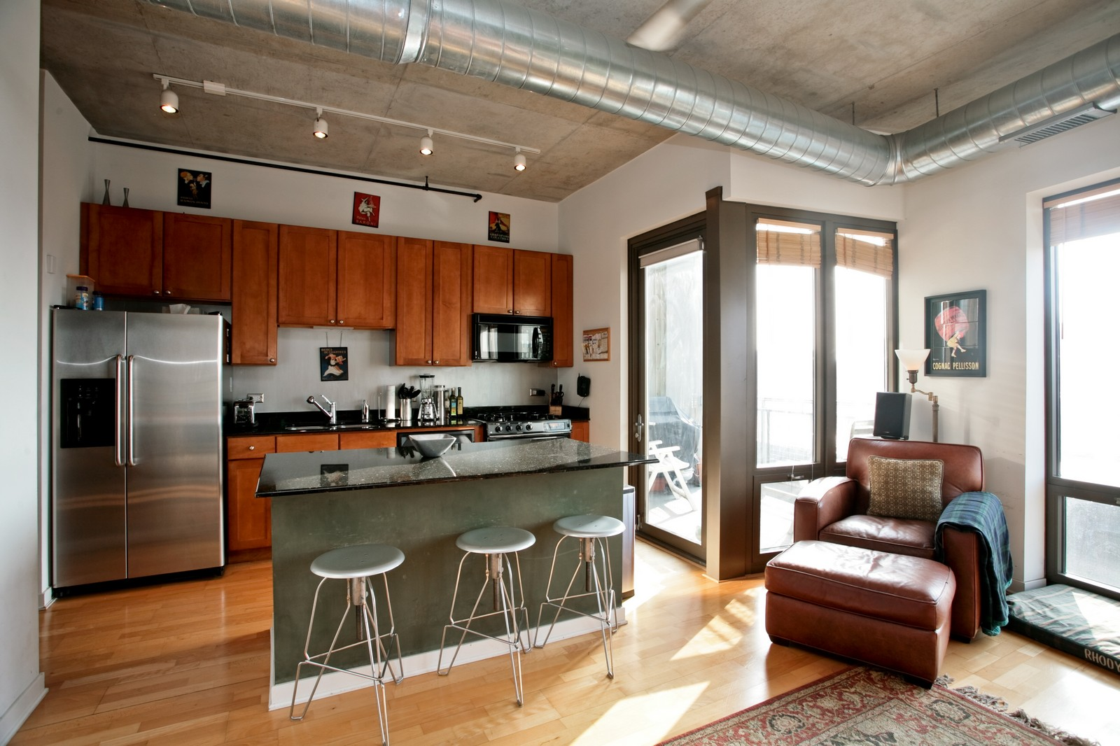 Real Estate Photography - 1000 N Kingsbury, Unit 301, Chicago, IL, 60654 - Location 1