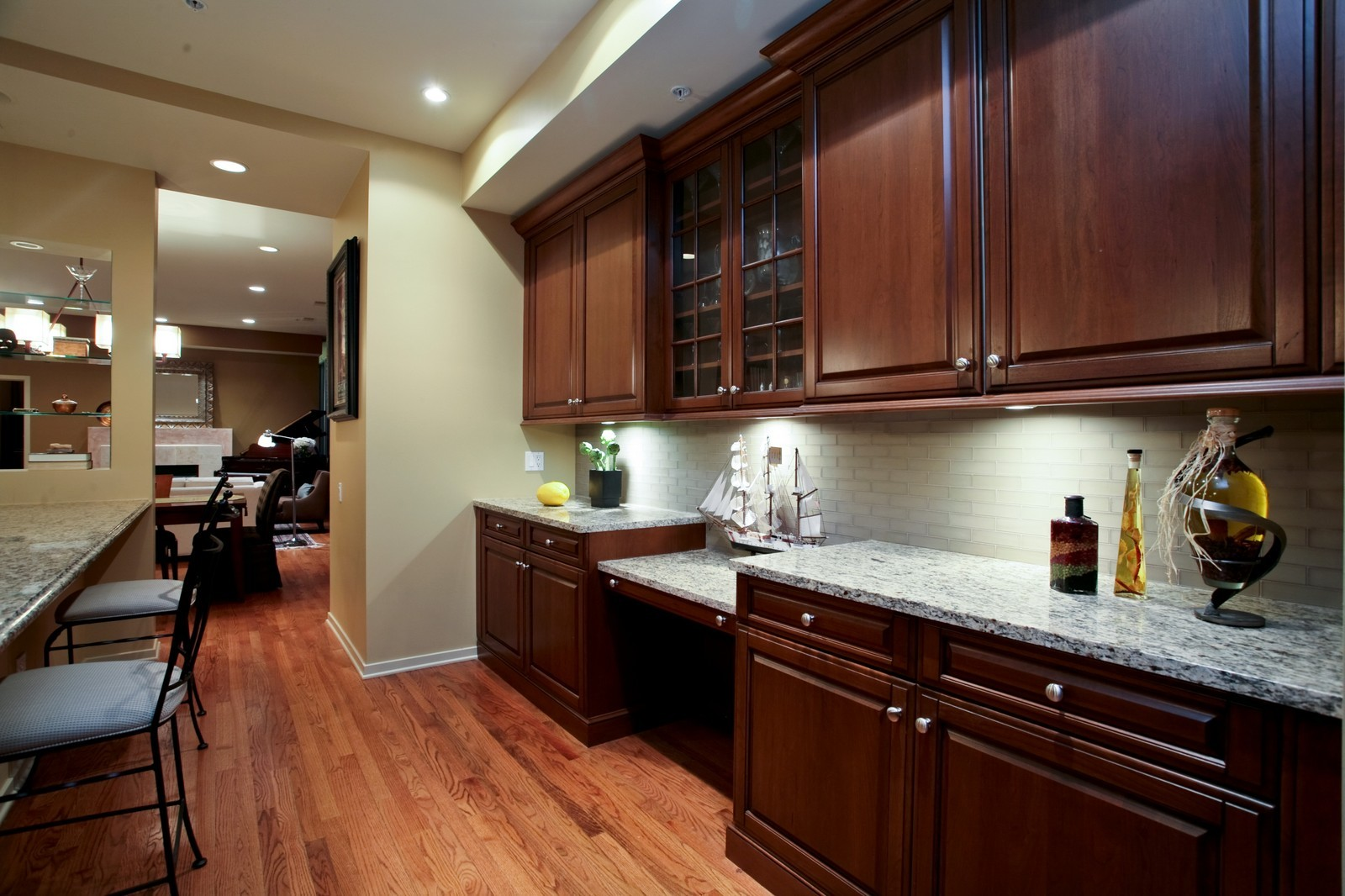 Real Estate Photography - 500 W Superior, Unit 703, Chicago, IL, 60654 - Kitchen