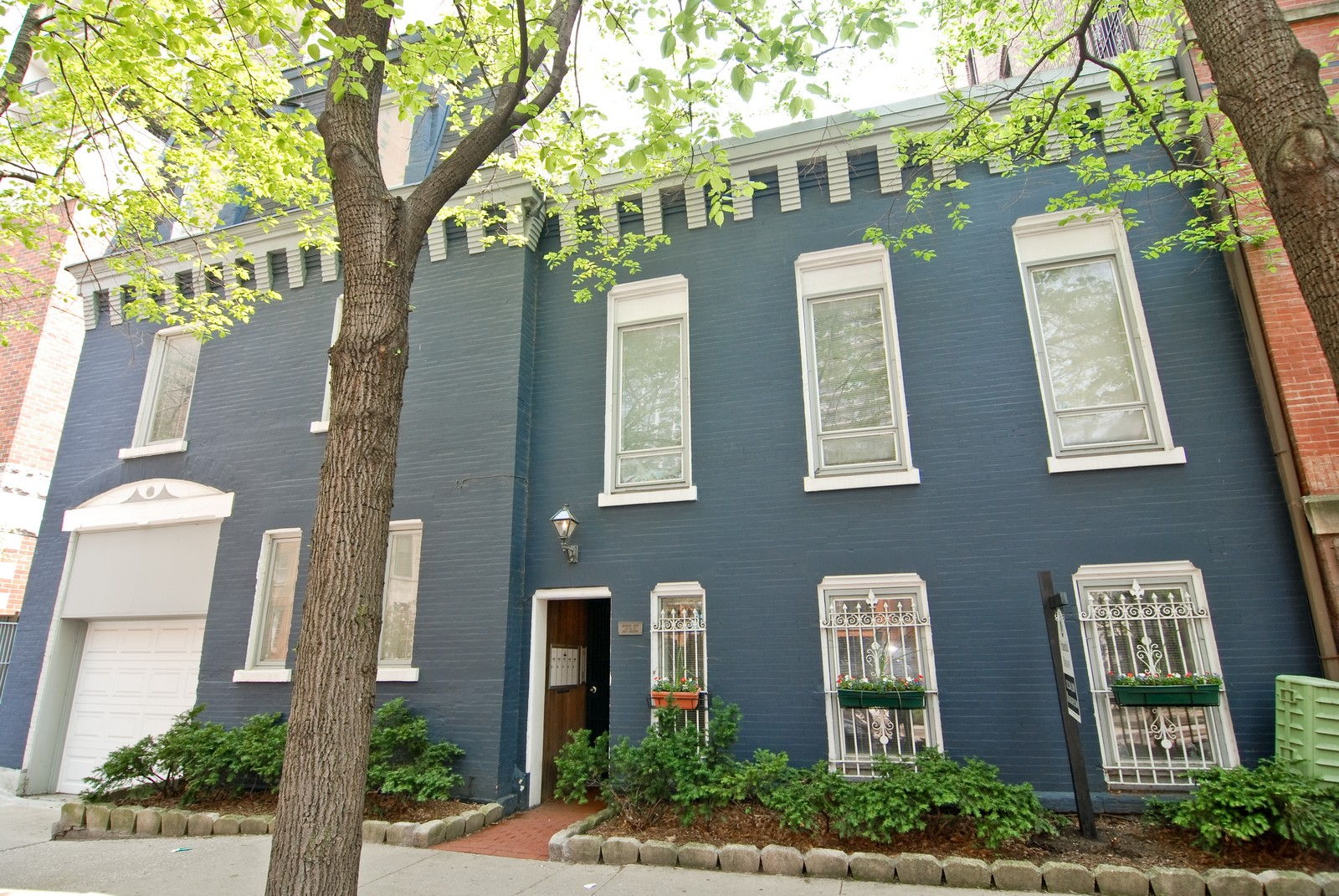Real Estate Photography - 29 W Chestnut, Unit 3, Chicago, IL, 60610 - Front View
