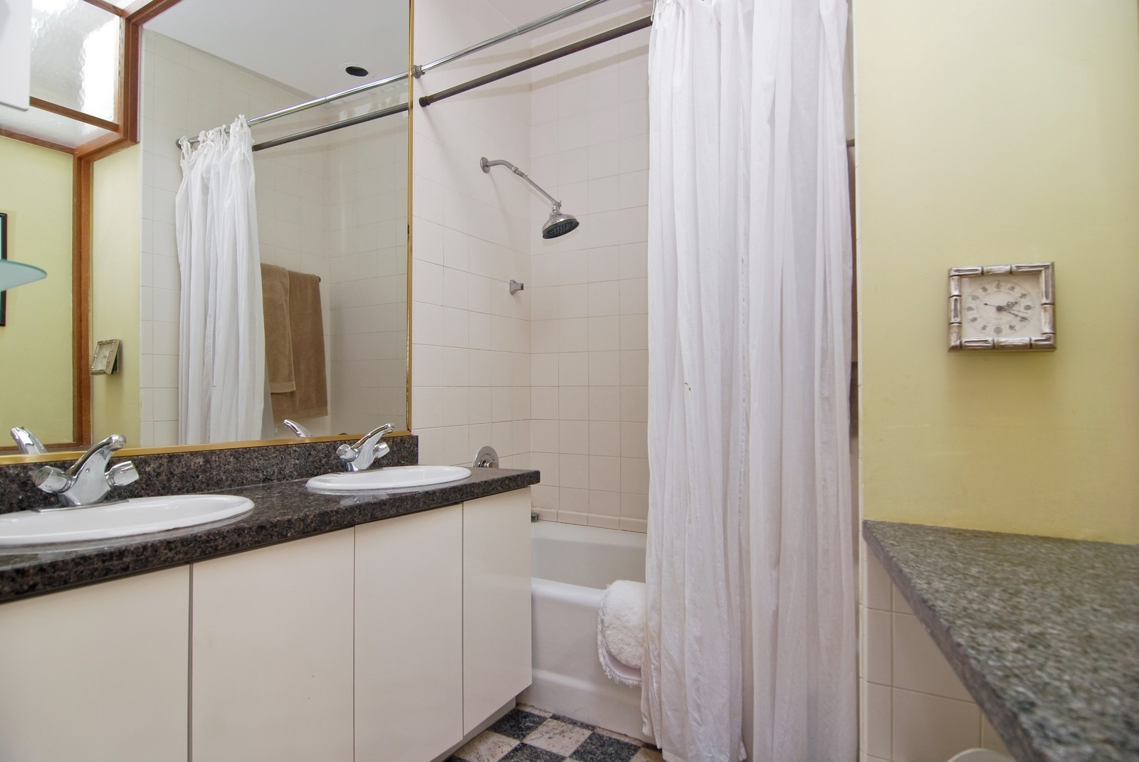 Real Estate Photography - 29 W Chestnut, Unit 3, Chicago, IL, 60610 - Bathroom