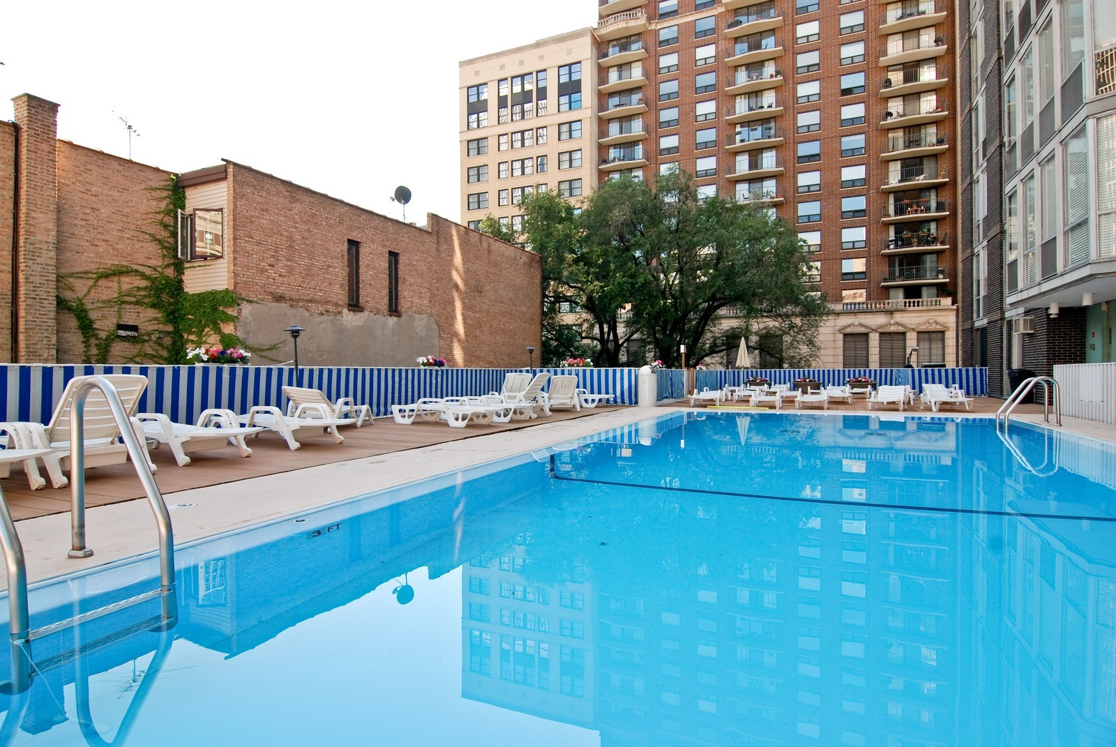 Real Estate Photography - 21 W Goethe, Unit 9F, Chicago, IL, 60610 - Pool