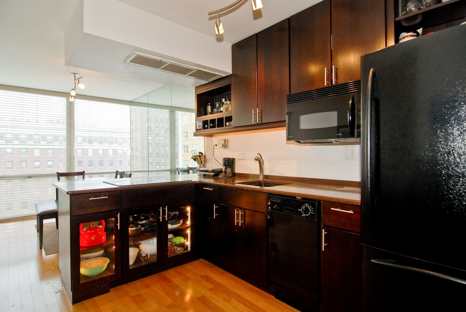 Real Estate Photography - 21 W Goethe, Unit 9F, Chicago, IL, 60610 - Kitchen