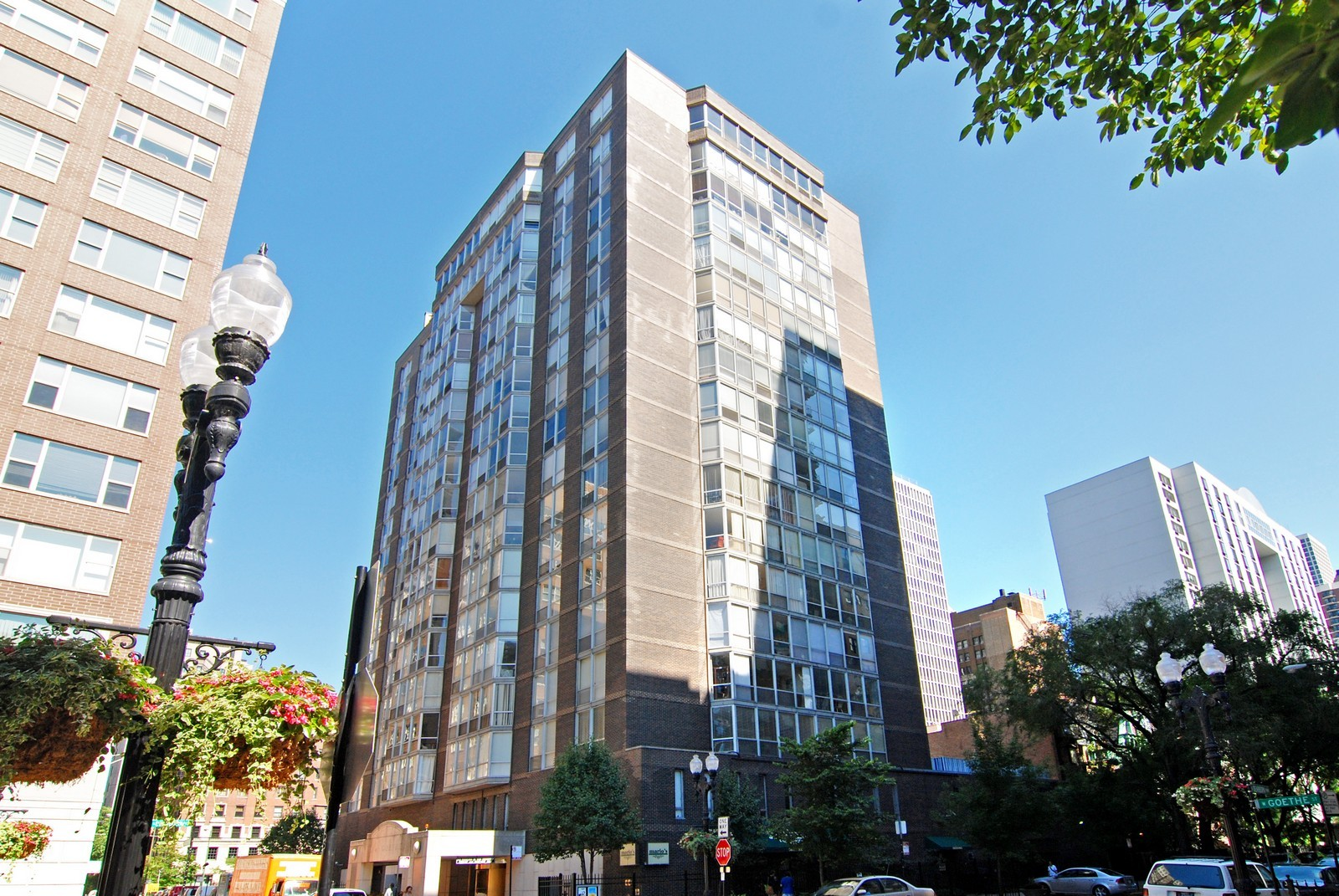 Real Estate Photography - 21 W Goethe, Unit 9F, Chicago, IL, 60610 - Front View