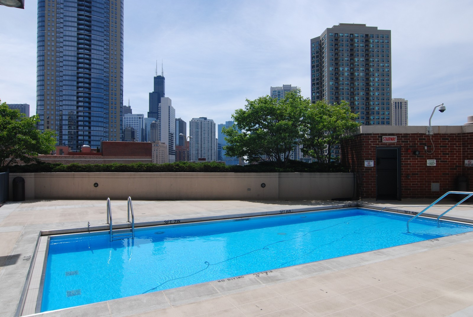 Real Estate Photography - 600 N Kingsbury, Unit 903, Chicago, IL, 60654 - Pool
