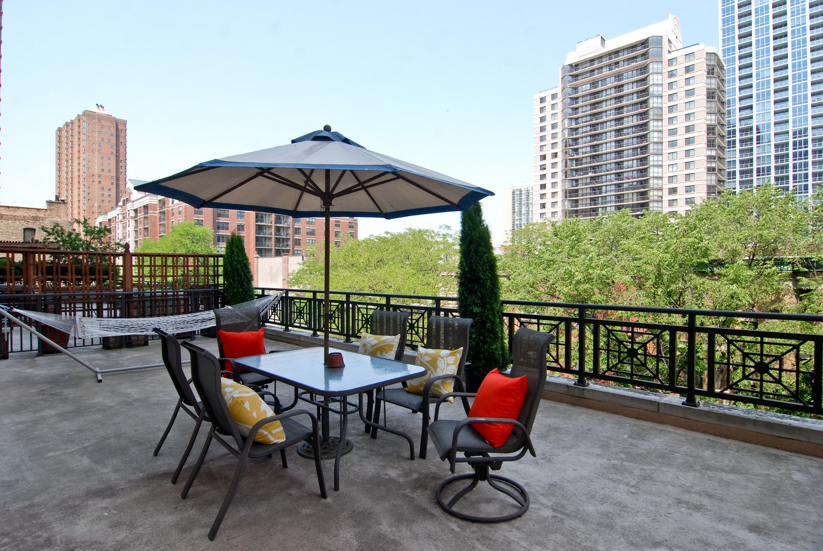 Real Estate Photography - 21 W Chestnut, Unit 505, Chicago, IL, 60611 - Deck