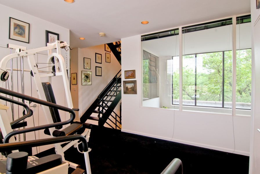 Real Estate Photography - 336 W Wisconsin, Chicago, IL, 60614 - Exercise Room