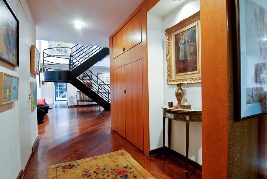 Real Estate Photography - 336 W Wisconsin, Chicago, IL, 60614 - Foyer
