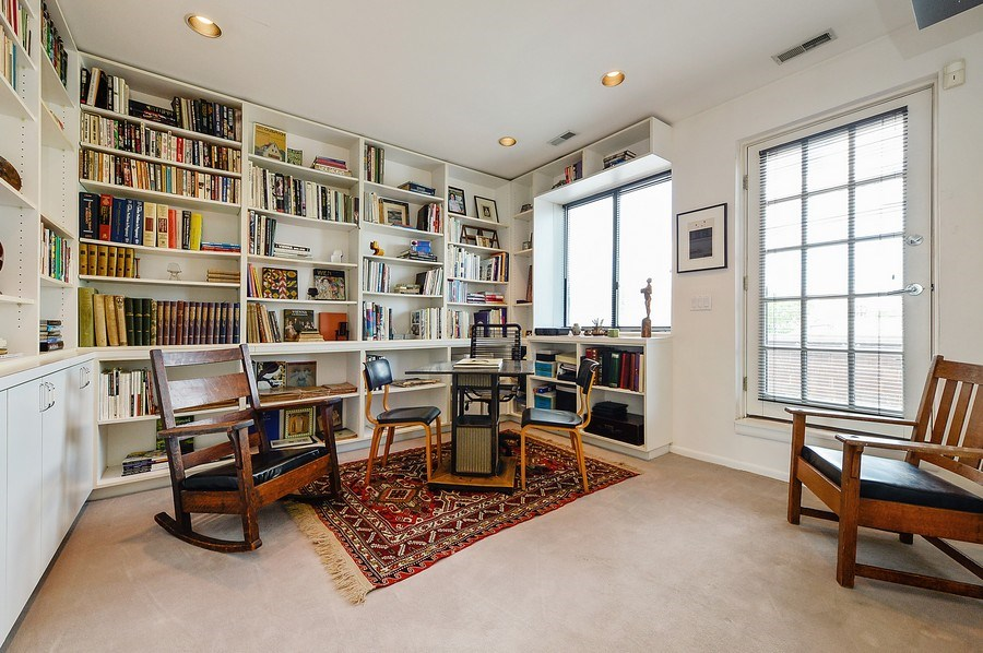 Real Estate Photography - 336 W Wisconsin, Chicago, IL, 60614 - Library