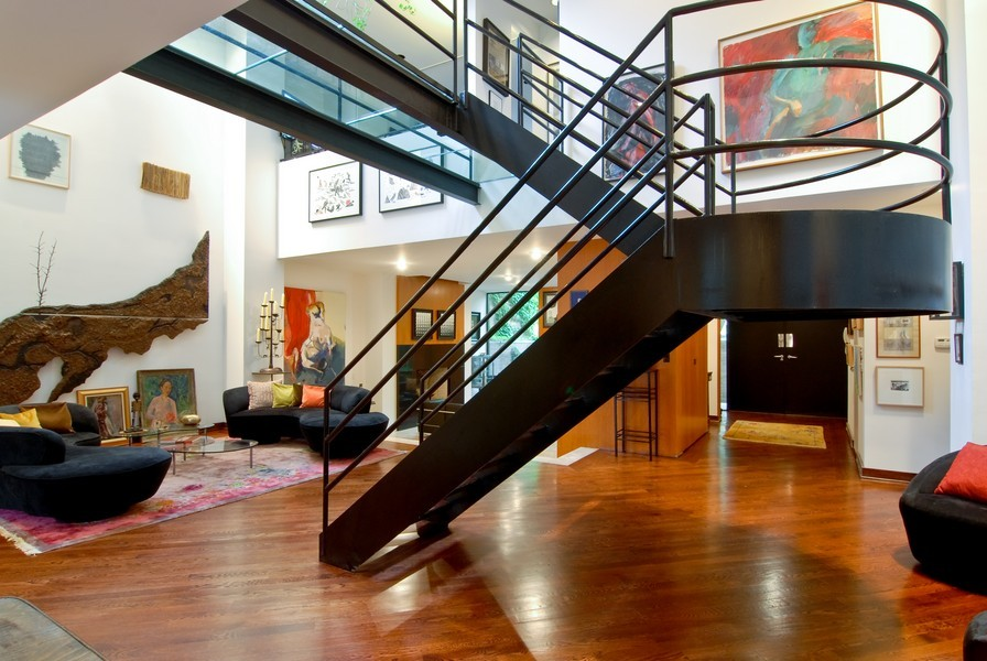 Real Estate Photography - 336 W Wisconsin, Chicago, IL, 60614 - Staircase
