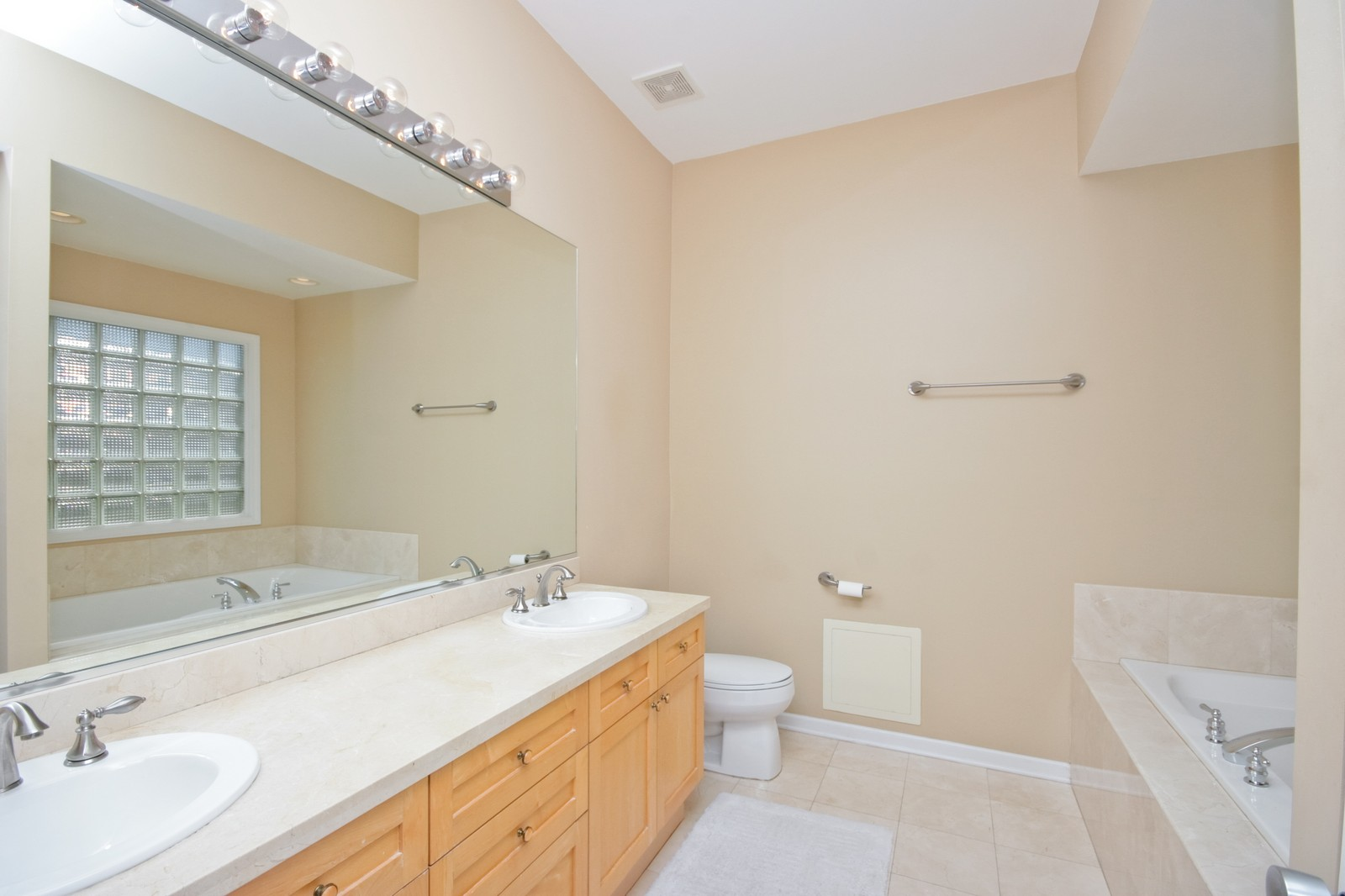Real Estate Photography - 535 N Wood, Chicago, IL, 60622 - Master Bathroom