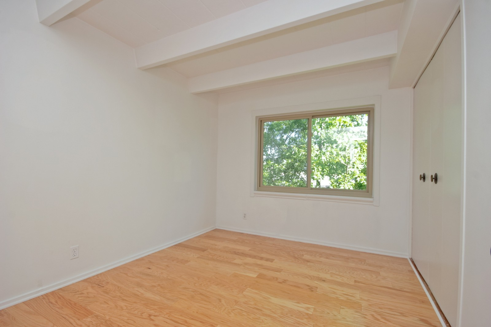 Real Estate Photography - 1908 W Hood Ave, Unit 5D, Chicago, IL, 60660 - 2nd Bedroom