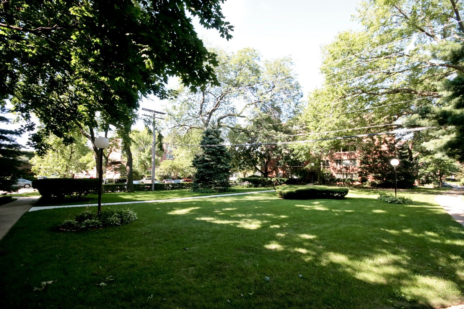 Real Estate Photography - 1908 W Hood Ave, Unit 5D, Chicago, IL, 60660 - Front View