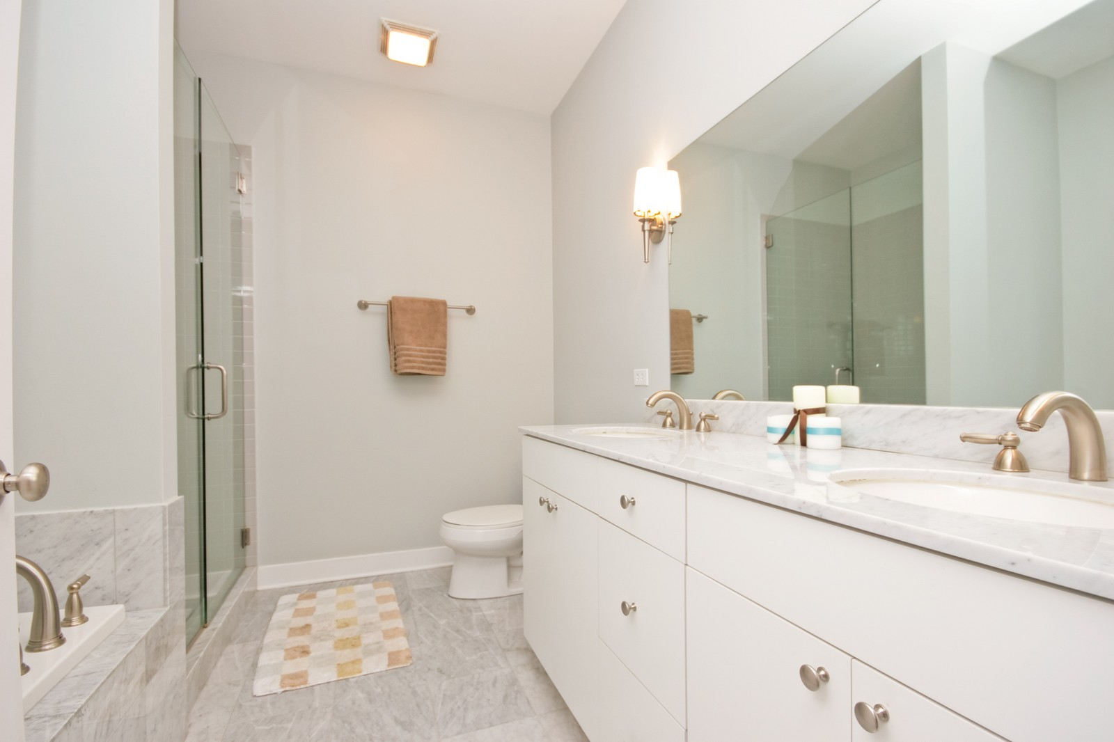 Real Estate Photography - 3028 W Roscoe, Unit 305, Chicago, IL, 60618 - Master Bathroom