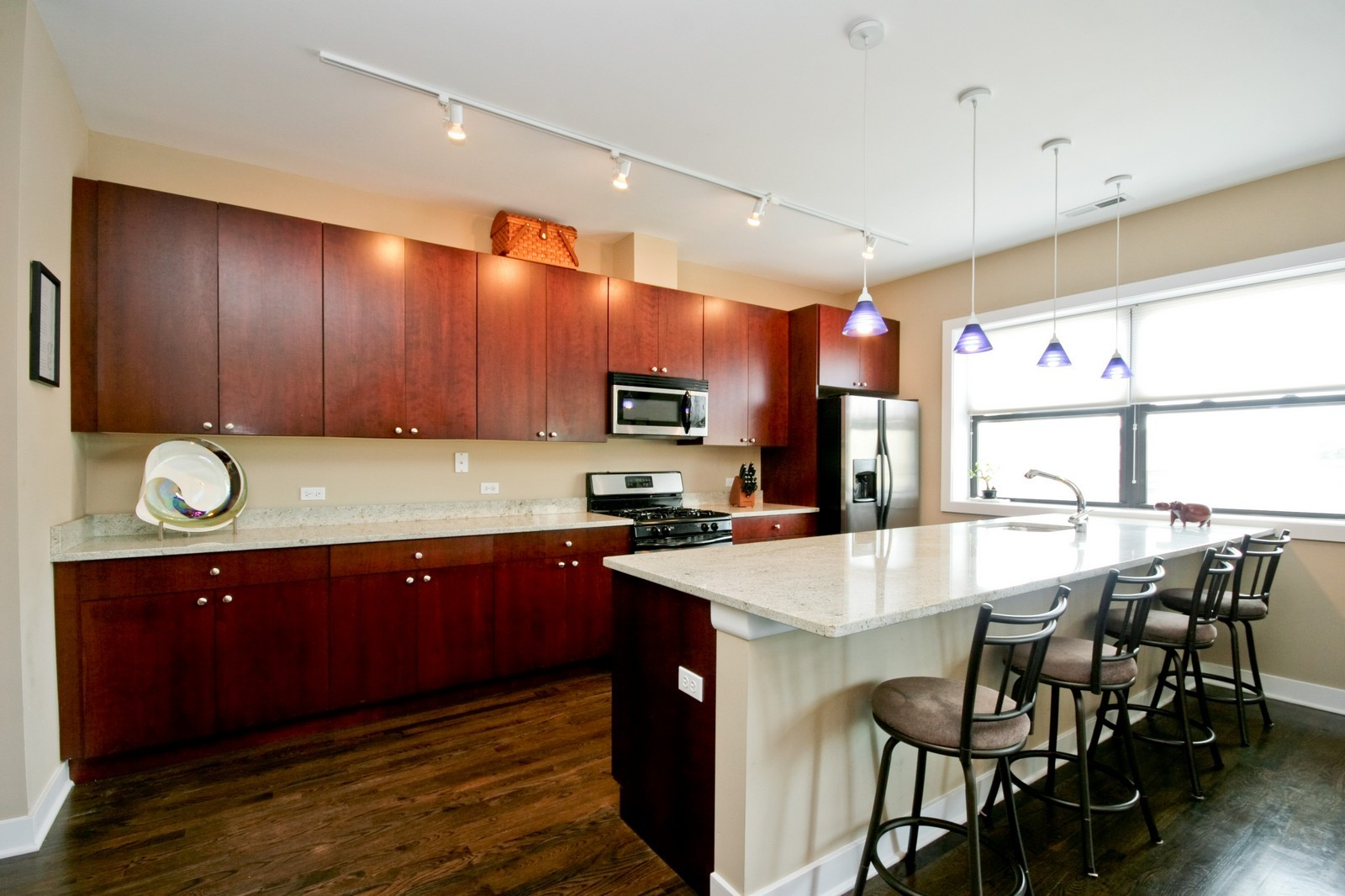 Real Estate Photography - 3028 W Roscoe, Unit 305, Chicago, IL, 60618 - Kitchen