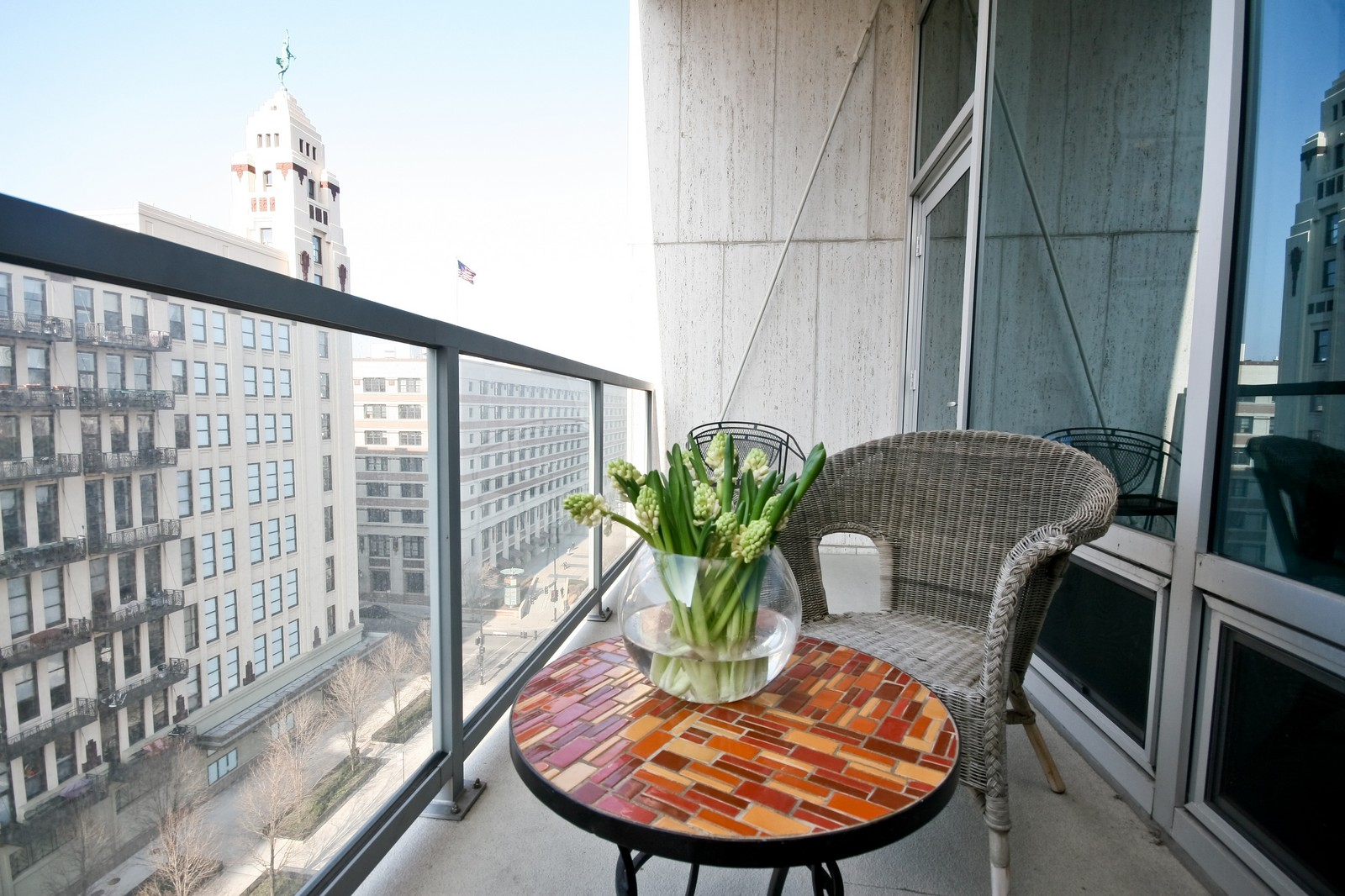 Real Estate Photography - 500 W Superior, Unit 701, Chicago, IL, 60654 - Deck