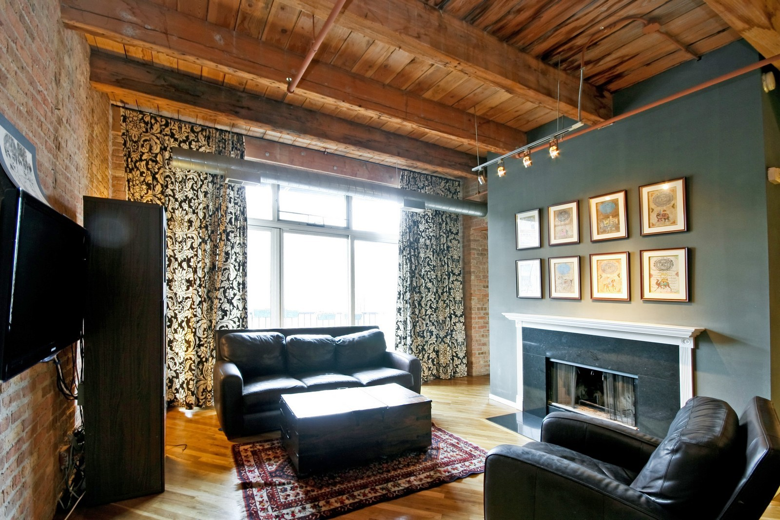 Real Estate Photography - 550 N Kingsbury, Unit 414, Chicago, IL, 60654 - Living Room