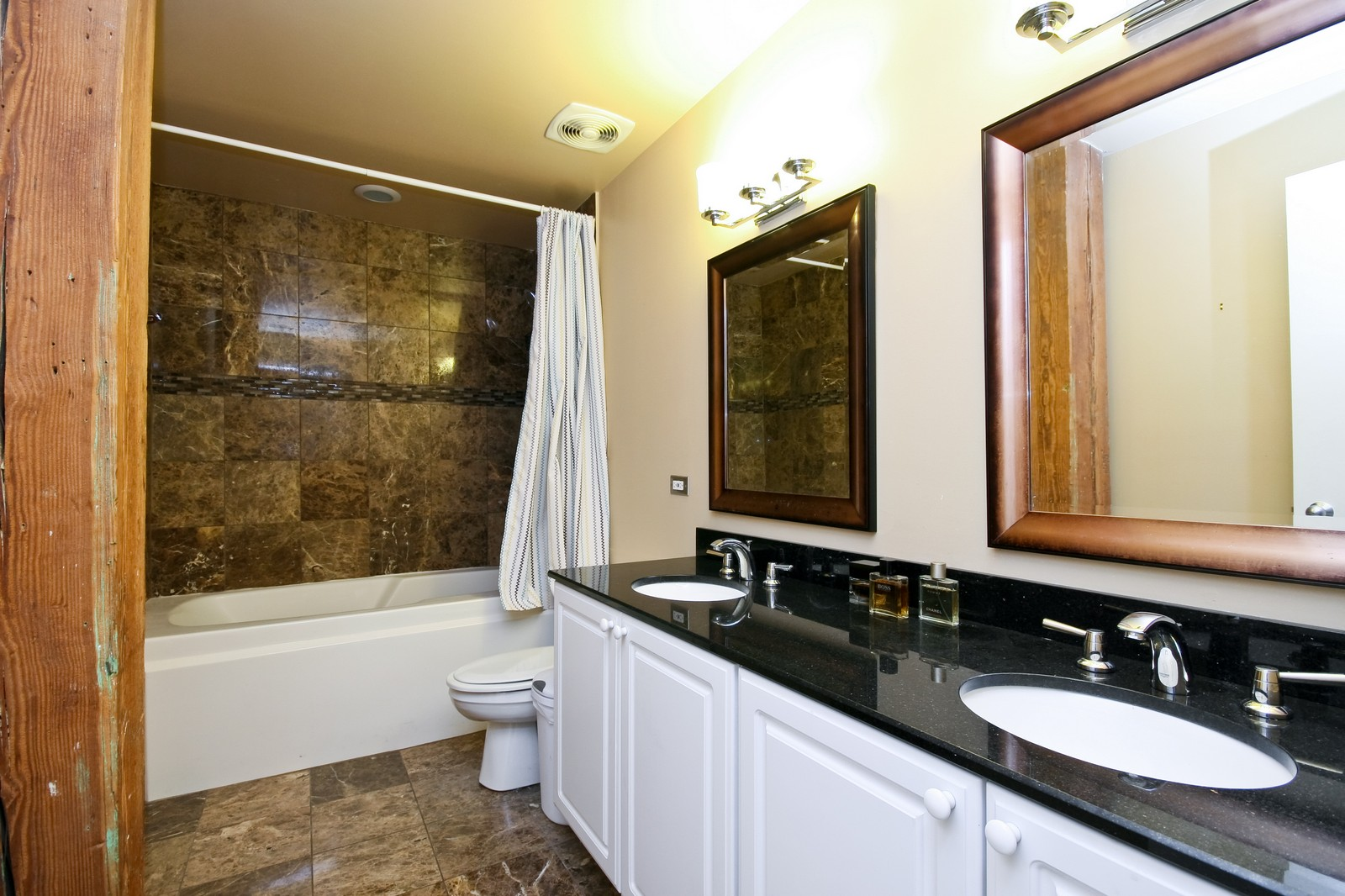 Real Estate Photography - 550 N Kingsbury, Unit 414, Chicago, IL, 60654 - Master Bathroom