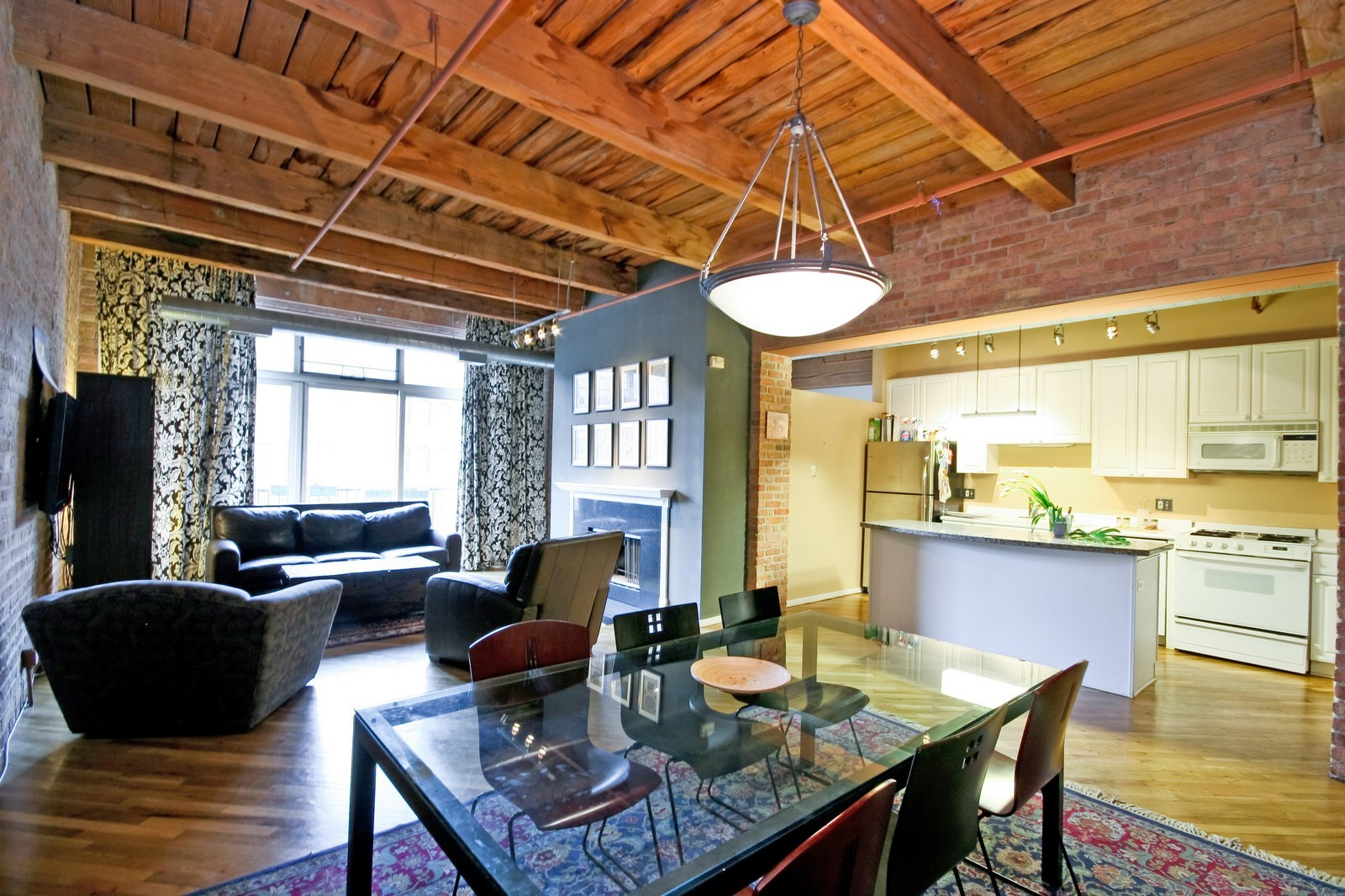 Real Estate Photography - 550 N Kingsbury, Unit 414, Chicago, IL, 60654 - Dining Room
