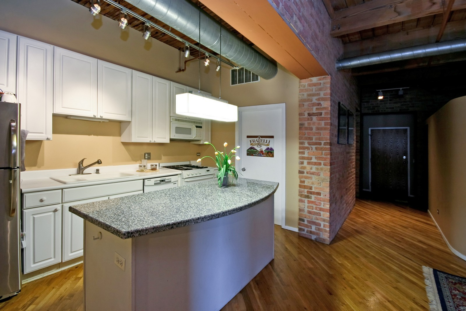 Real Estate Photography - 550 N Kingsbury, Unit 414, Chicago, IL, 60654 - Kitchen