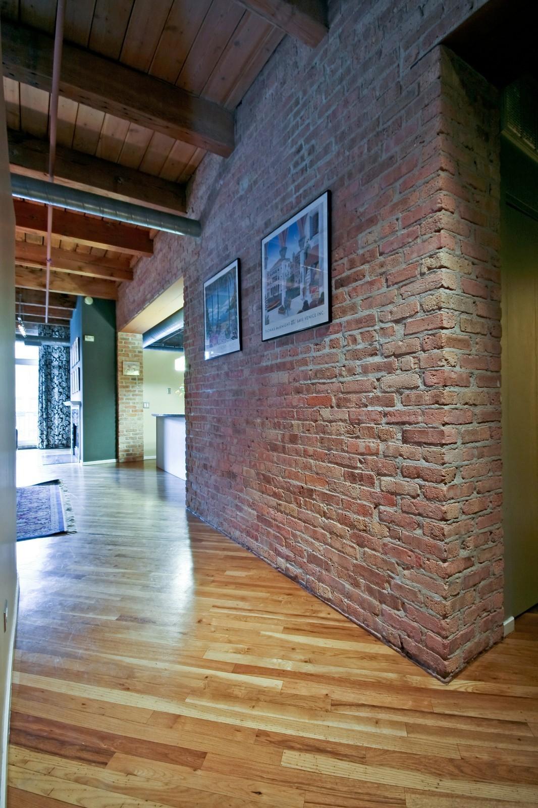 Real Estate Photography - 550 N Kingsbury, Unit 414, Chicago, IL, 60654 - Hallway
