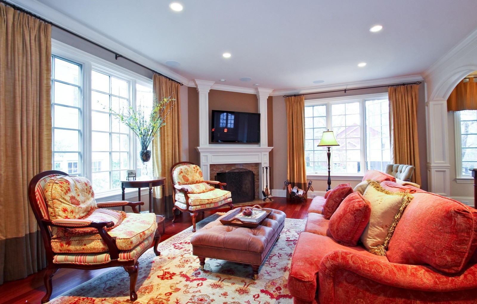 Real Estate Photography - 431 Adams Ave, Glencoe, IL, 60022 - Great Room adjacent to gourmet kitchen.