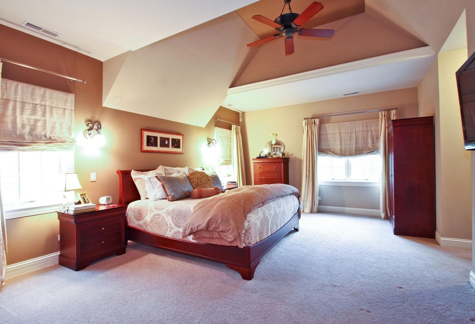 Real Estate Photography - 431 Adams Ave, Glencoe, IL, 60022 - Master Suite with his & her closets.