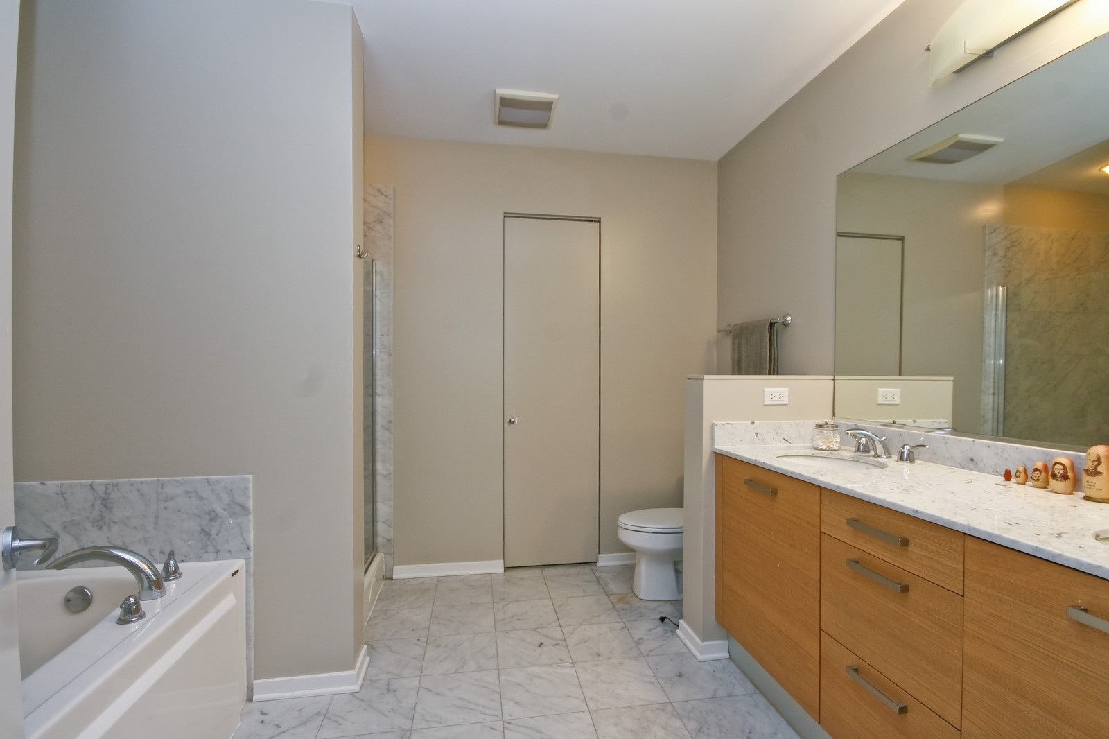Real Estate Photography - 500 W Superior, Unit 1713, Chicago, IL, 60654 - Master Bathroom
