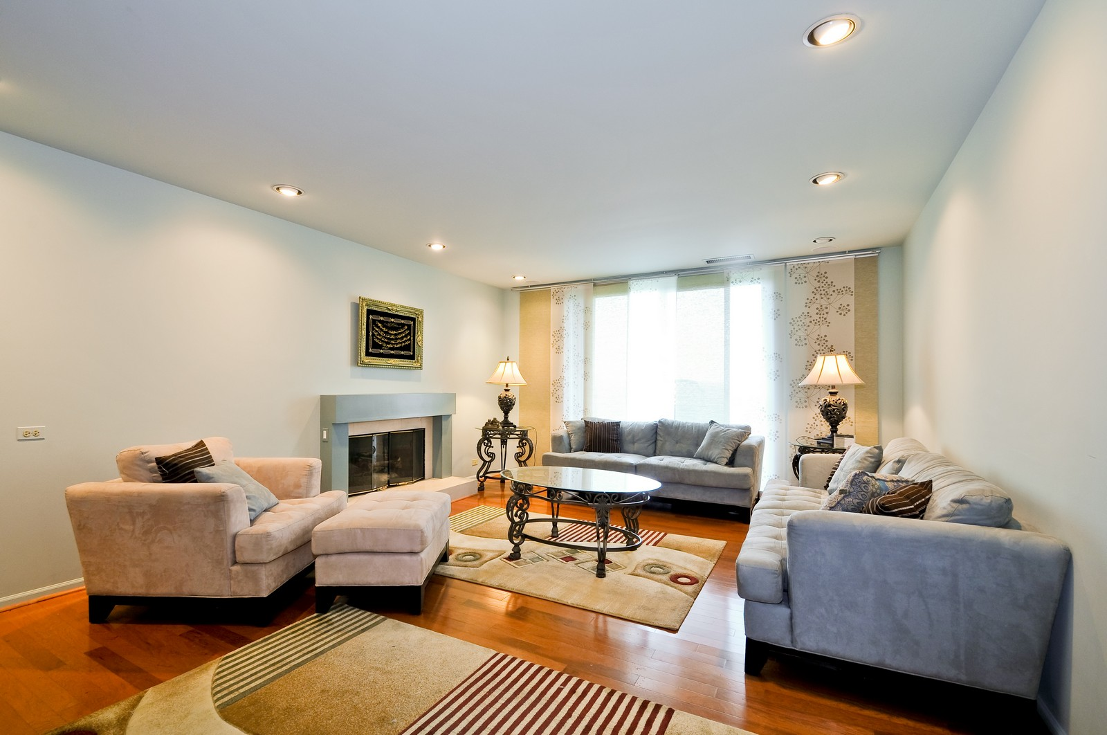 Real Estate Photography - 4545 Touhy, Unit 516, Lincolnwood, IL, 60712 - Living Room