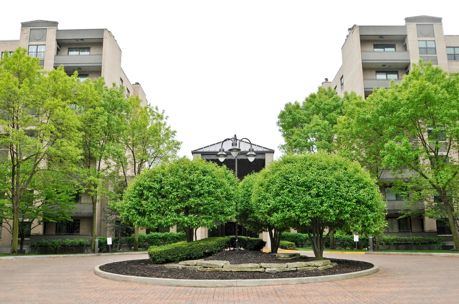 Real Estate Photography - 4545 Touhy, Unit 516, Lincolnwood, IL, 60712 - Front View