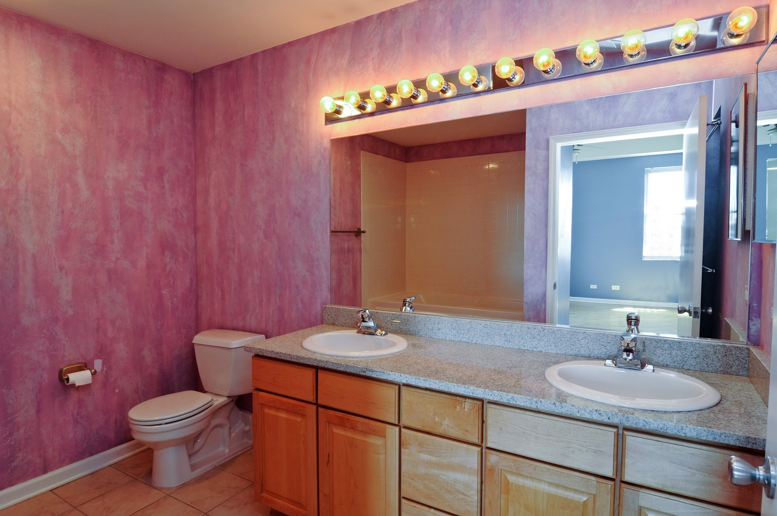 Real Estate Photography - 2317 W Wolfram, Unit 514, Chicago, IL, 60618 - Master Bathroom