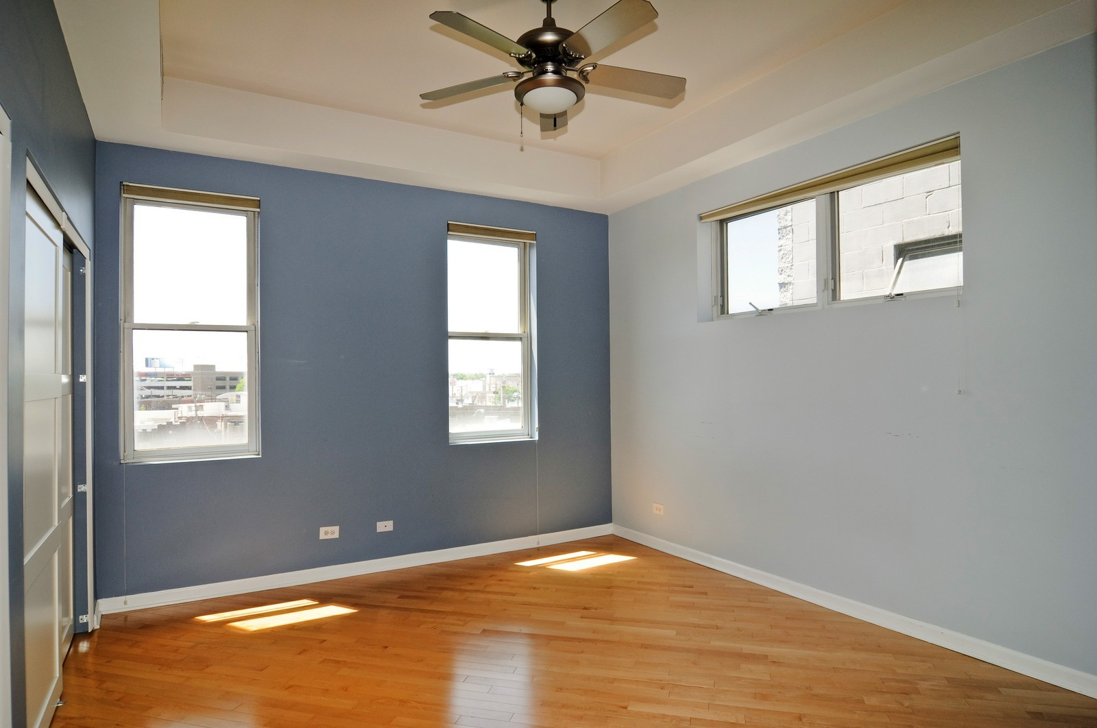 Real Estate Photography - 2317 W Wolfram, Unit 514, Chicago, IL, 60618 - Master Bedroom