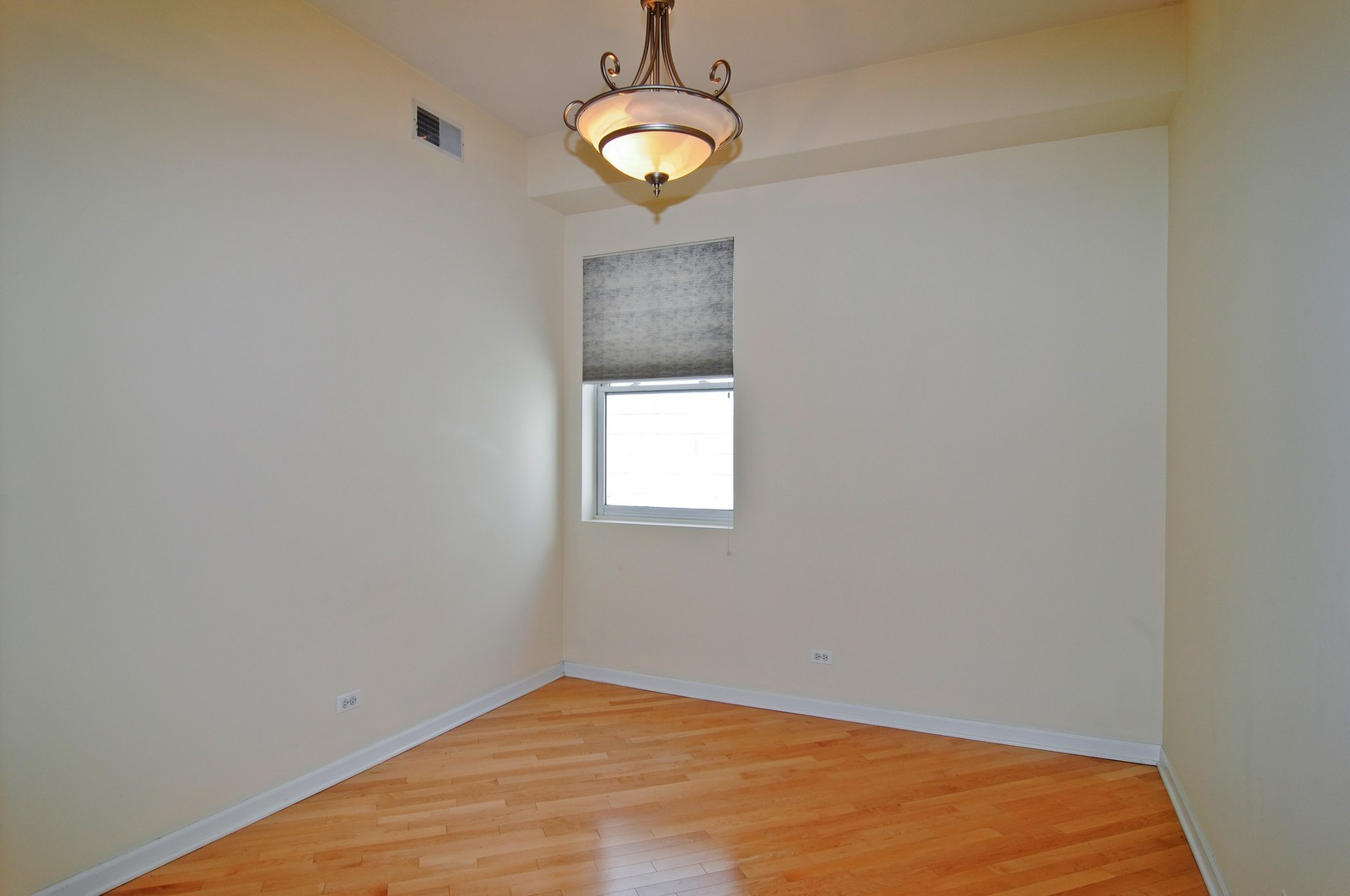 Real Estate Photography - 2317 W Wolfram, Unit 514, Chicago, IL, 60618 - Bedroom