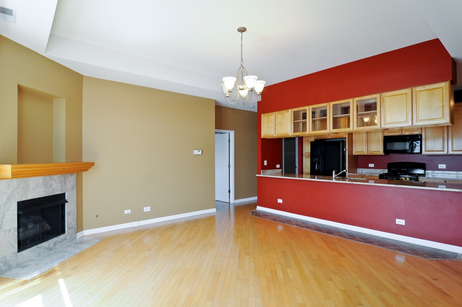 Real Estate Photography - 2317 W Wolfram, Unit 514, Chicago, IL, 60618 - Kitchen / Living Room