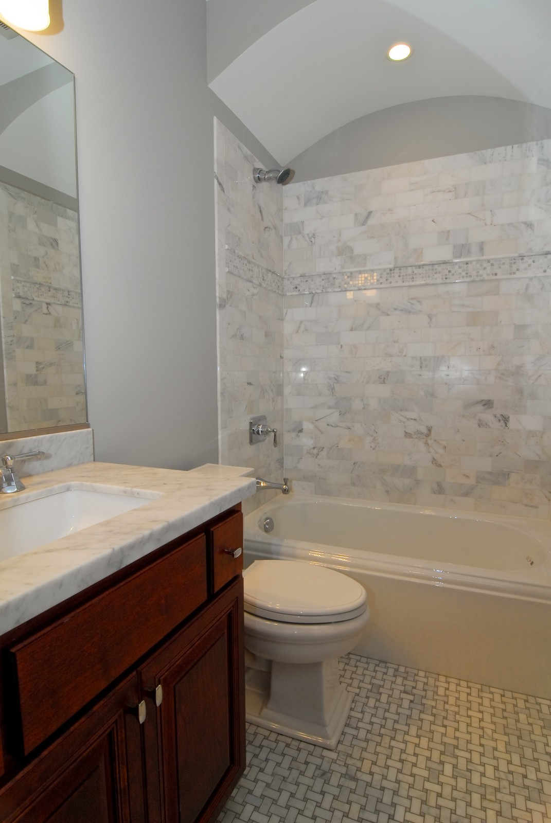Real Estate Photography - 2663 N Burling, Chicago, IL, 60614 - Bathroom