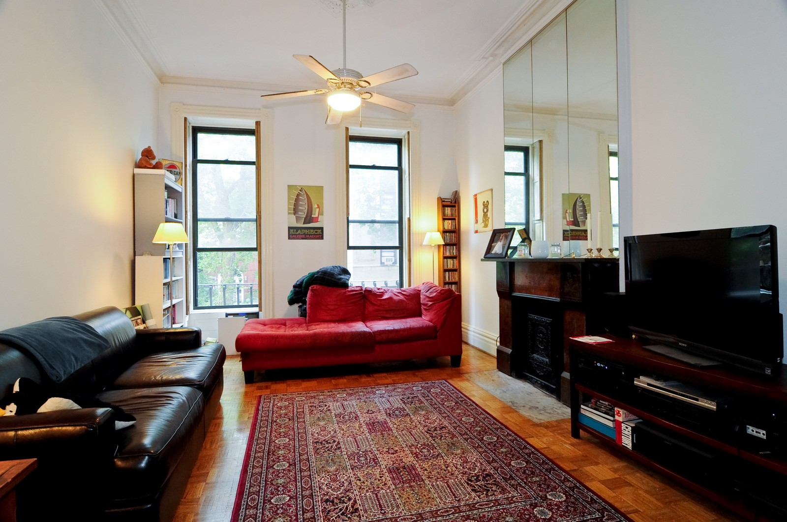 Real Estate Photography - 2030 N Orleans, Chicago, IL, 60614 - Living Room