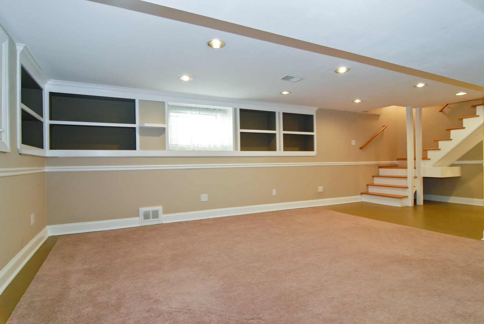 Real Estate Photography - 5334 W Cuyler, Chicago, IL, 60641 - Family Room
