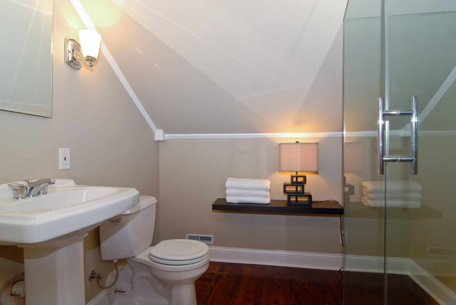 Real Estate Photography - 5334 W Cuyler, Chicago, IL, 60641 - 2nd Bathroom