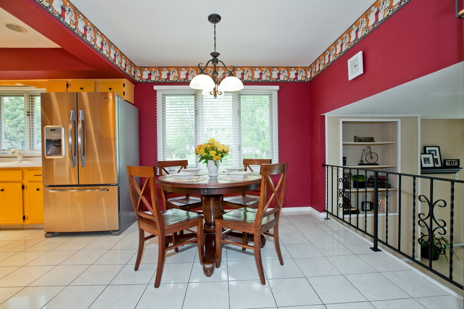 Real Estate Photography - 16W648 90th Street, Willowbrook, IL, 60527 - Kitchen / Breakfast Room