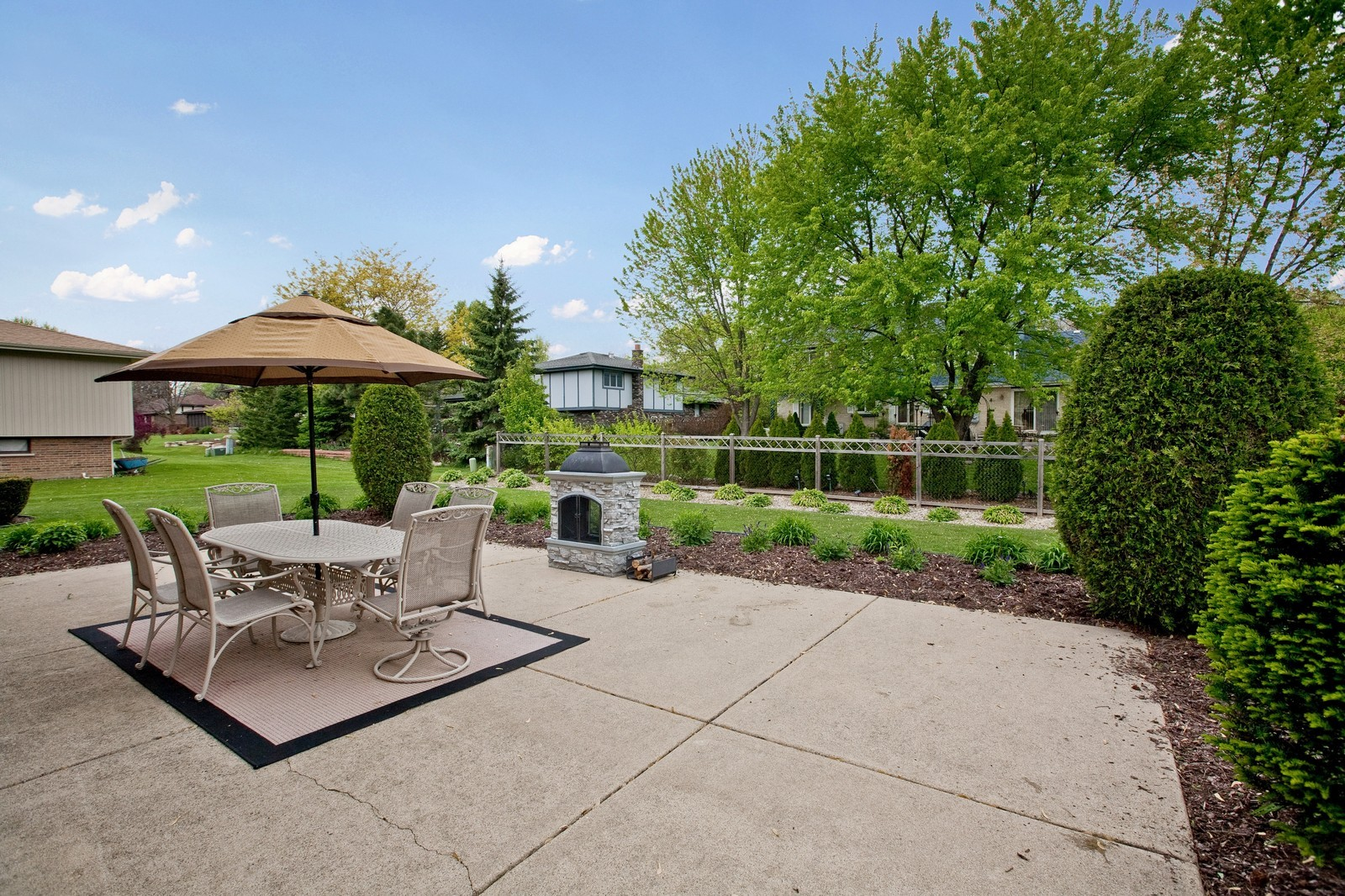 Real Estate Photography - 16W648 90th Street, Willowbrook, IL, 60527 - Back Yard