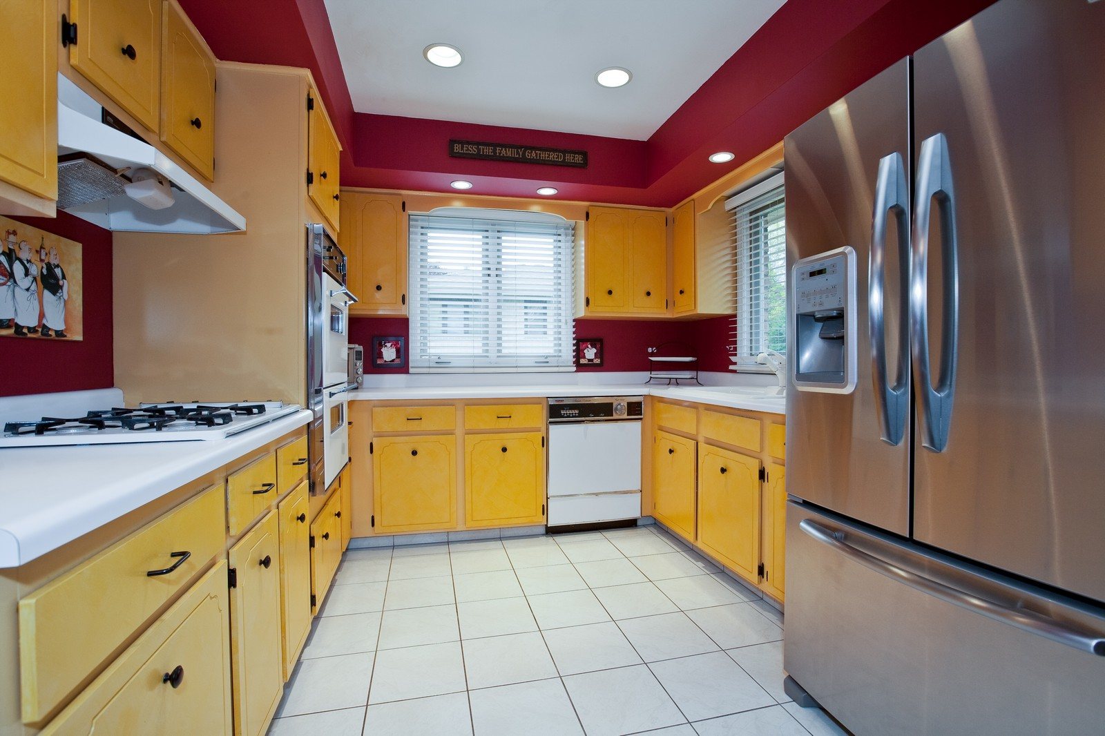 Real Estate Photography - 16W648 90th Street, Willowbrook, IL, 60527 - Kitchen