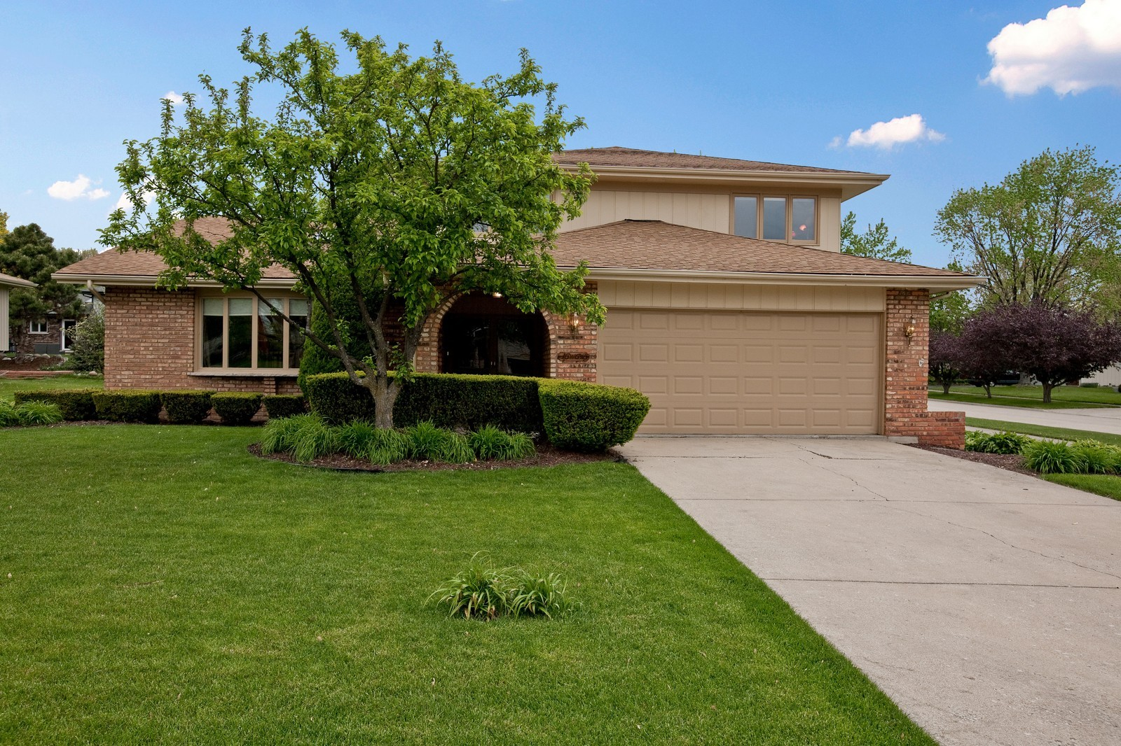Real Estate Photography - 16W648 90th Street, Willowbrook, IL, 60527 - Front View
