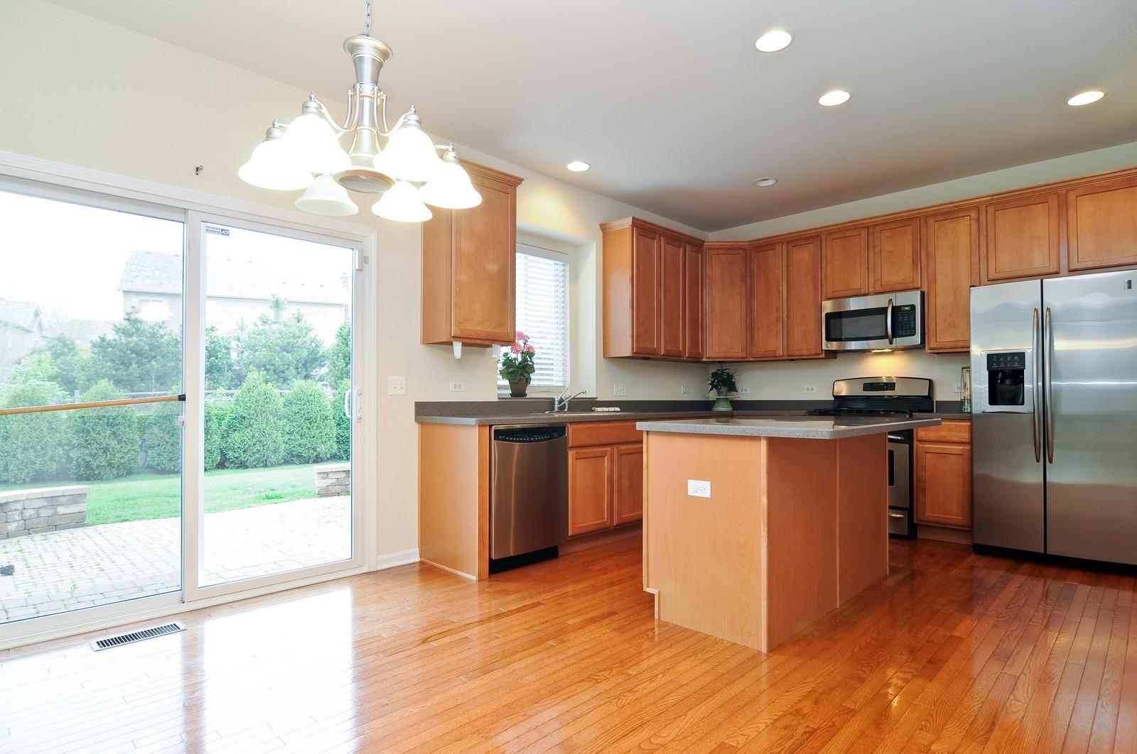 Real Estate Photography - 1580 McClellan Dr., Lindenhurst, IL, 60046 - Kitchen / Breakfast Room