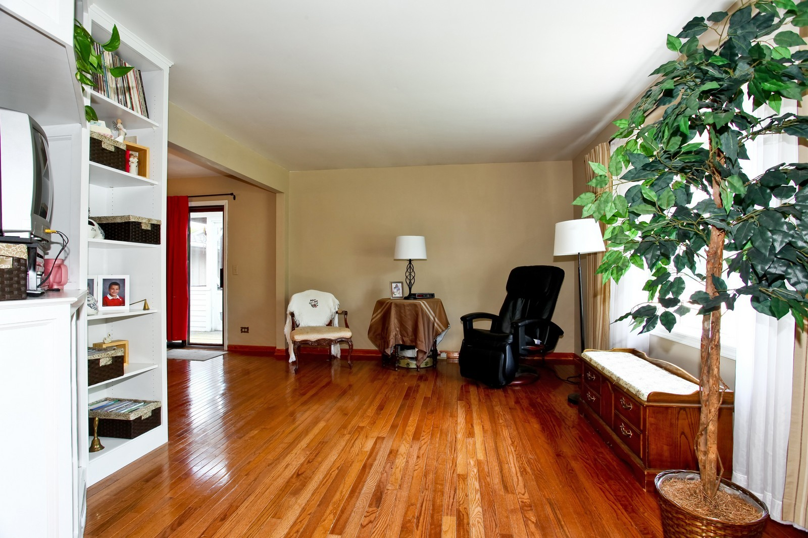 Real Estate Photography - 26W464 Cooley, Winfield, IL, 60190 - Living Room
