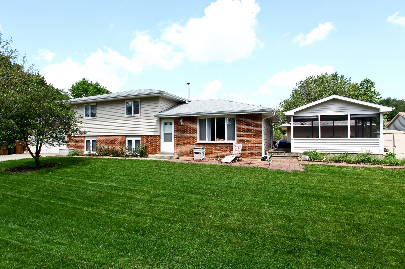 Real Estate Photography - 26W464 Cooley, Winfield, IL, 60190 - Front View