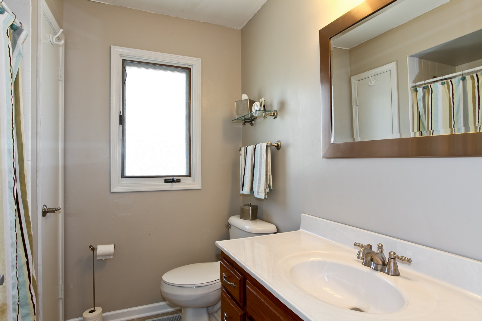 Real Estate Photography - 26W464 Cooley, Winfield, IL, 60190 - Bathroom